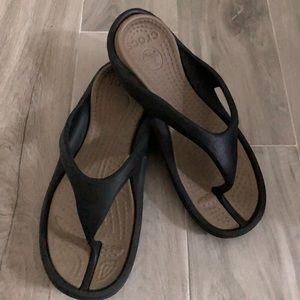 CROCS Athens Black Flip Flops Thong Size 11